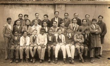 1ª turma do ginásio do Colégio Regente Feijó situado na época na Rua Dr Colares. Atual Centro de Cultura. Foto Brazil.