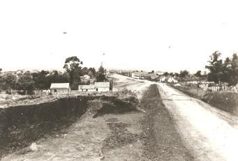 Lado esquerdo, atual Cemitério S. José. No lado direito confronta com a Rua Penteado de Almeida - foto sentido bairro