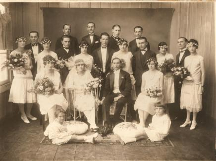 Casamento - noivos: Rozinha Suckow e João Buckner. Primos Adolfo e Nena Suckow.