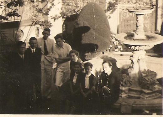 Entrada da residência da Família Thielen - Alberto Thielen e Albary Guimarães.
