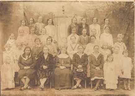 Igreja Sagrado Coração de Jesus - Irmã Geraldina e Filhas de Maria.