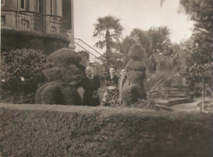 Jardins da Mansão Villa Hilda - Ema Shust, Ida Hilda Thielen e Laura Vilela Thielen.