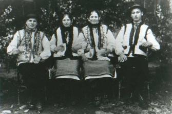 Jovens ucranianos.