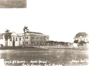 Largo do Rosário - Igreja do Rosário, Colégio Regente Feijó e Colégio Sant'Ana (atual São Luiz) década de 1920.