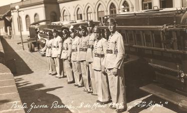 Foto Lyris. Ponta Grossa, 8 de maio de 1945.