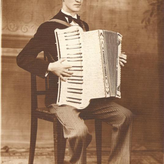 Emílio Voigt aos 28 anos.