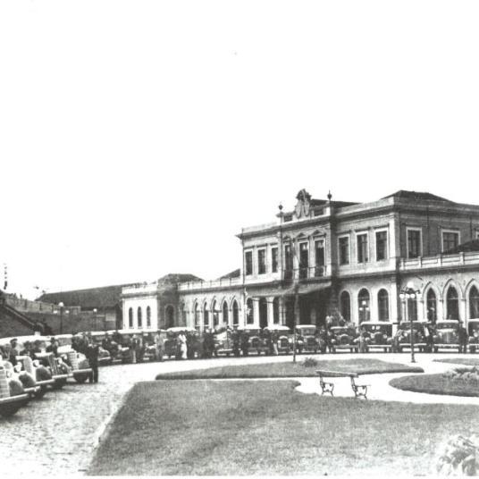 Praça João Pessoa - ao fundo Estação Roxo Rodrigues