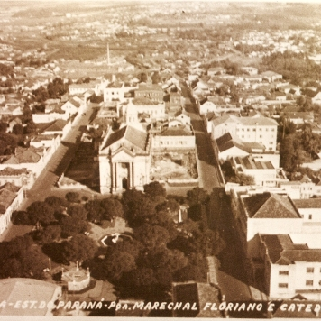 Praça Marechal Floriano Peixoto – Antiga Catedral Sant'Ana.